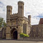 Cursos de inglés para mayores de 50 años en Canterbury (Reino Unido)